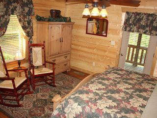 Blue Ridge cabin photo - Tuckaway Ridge Main Floor Bedroom - King Bed