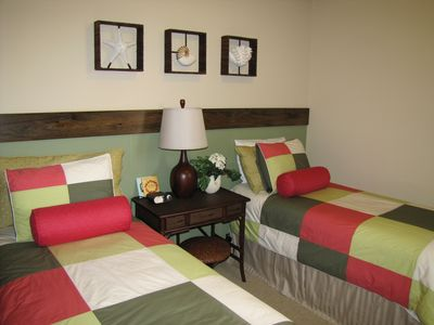 Ko Olina condo rental - Guest suite with La Coste bedding