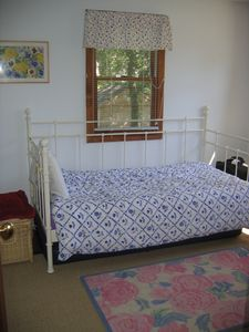 Plymouth house rental - First floor bedroom with trundle bed