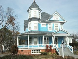 Crisfield condo photo - LOCAL ARCHITECTURE