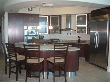 Orange Beach condo rental - Fabulous kitchen for entertaining with upgraded ap