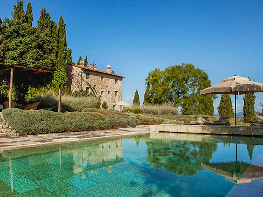 Villa castello has amazing views of medieval homeaway for Castle gardens pool