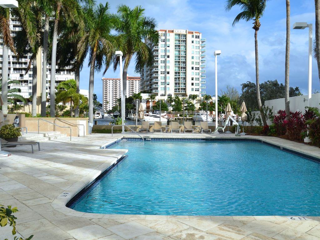 Galleryone Executive Suite Walking Distance To Ft Lauderdale Beach Sleeps 8 2 Br Vacation