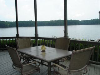 Lake Martin house photo - 'TRANQUILITY POINT' A truly wonderful place for family vacations!