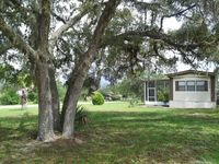 2 bed 2 bath on 1 acre in country setting available December 1, 2016