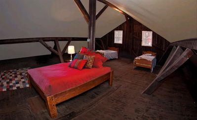 Jim Thorpe apartment rental - Sleeping loft