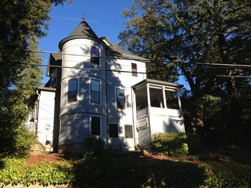 Placerville chateau / country house rental