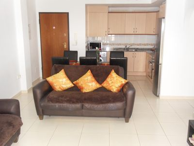 Holiday apartment rental in Los Alcazares. Bright and airy 2 bedroom luxury apa