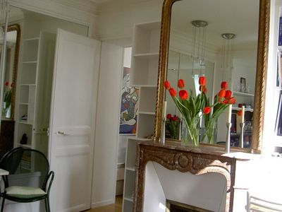 1st Arrondissement Louvre apartment rental - Antique fireplace in living room