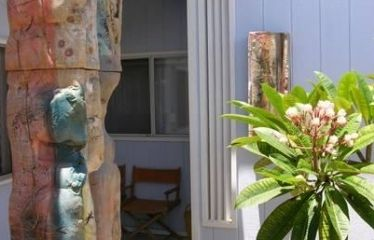 Detailed view of the property entry, enjoy the beautiful Clay Art and flowers