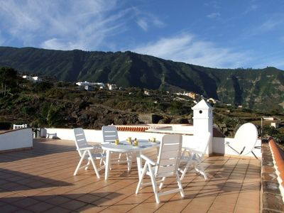 Finca La Pinera with panoramic view into Orotava-Valley & tropical fruit-plants