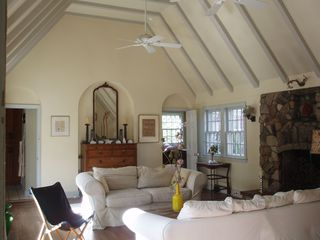 Montauk house photo - Classic light filled living room with vaulted ceiling
