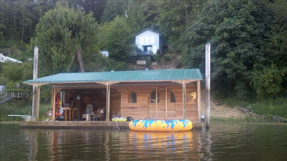Charming Lakefront Home With Guest House And Vrbo