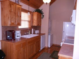 Branson lodge photo - Fully equipped kitchen complete with Keurig coffee maker