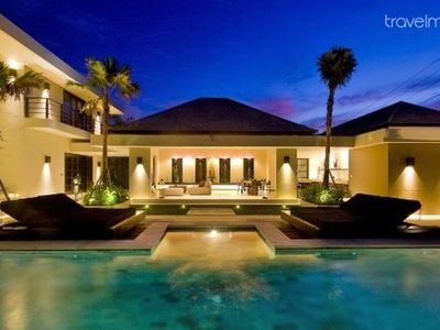 4 bedroom Body- CANGGU Luxury Villa