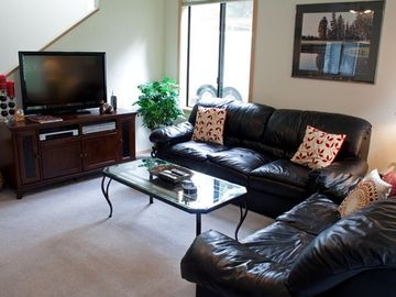 Sunriver townhome rental - Living Area - View of the livng room and large screen TV.