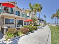 Beachfront -  Perfect For Family Reunions W/patio And Terrace!