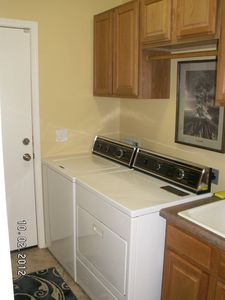 Avondale house rental - Laundry room