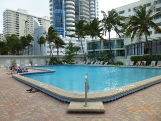 Miami Beach studio photo - Heated Pool