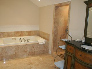 Hampton Bays house photo - Master bathroom