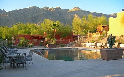 Beautifully Appointed Luxury Foothills Pueblo Condo w/view