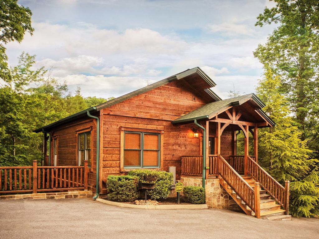 luxury 2 story 1 bedroom cabin in gatlinburg vrbo