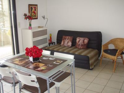 BEAUTIFUL F2, for rent by week, fortnight or month