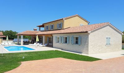 Wonderful new Istrian villa with private pool, only 2 km from the sea