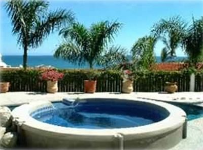 Relax over the Costa Azul in your private, heated jacuzzi and pool