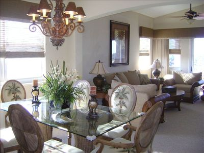 Professinally Decorated/ Open Floor Plan/ Penthouse Unit