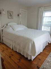 Brant Point house photo - Queen size bedroom