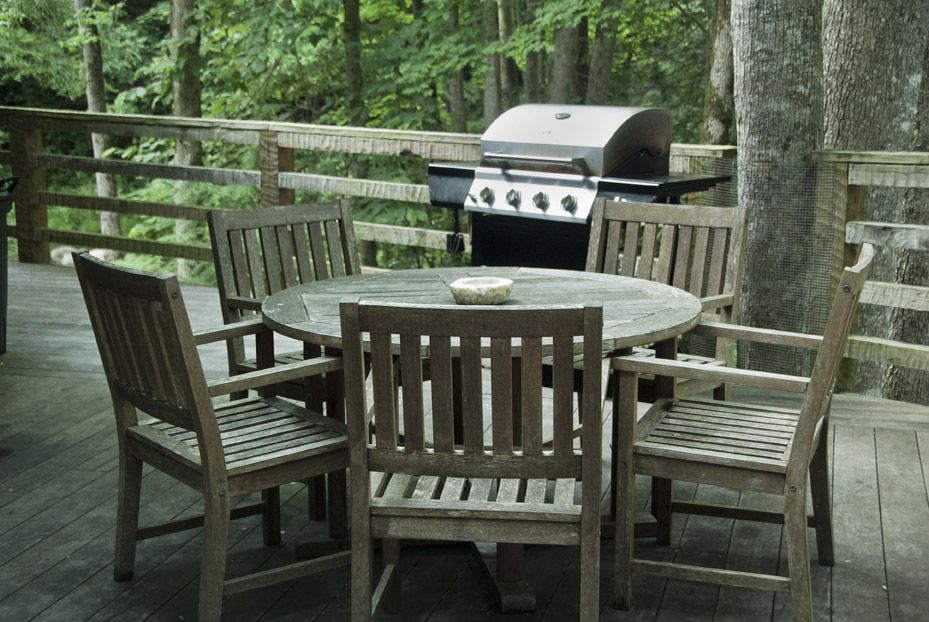 Grill and Dine on the Deck and Enjoy the Sounds of the River