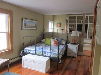 Dennisport house rental - Back bedroom full size with daybed behind knee wall