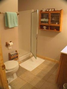 Golden Valley cabin rental - One of our two full bathrooms ... this with a walk in shower
