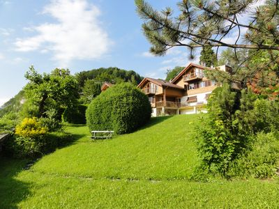 Spacious apartment located front line above Lake Lucerne