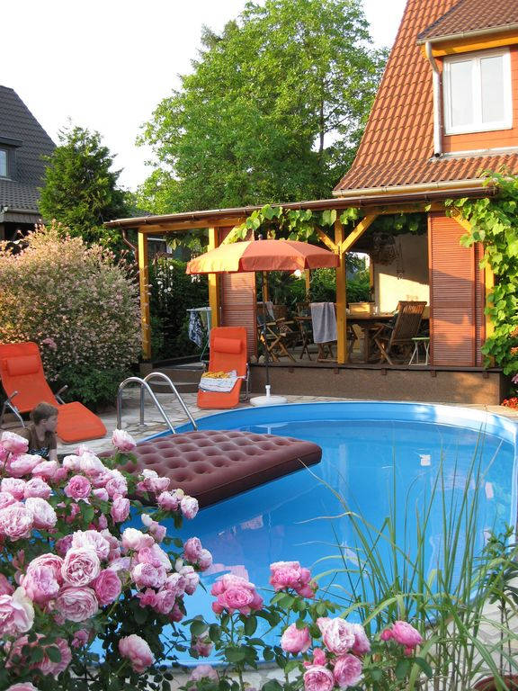 Apartment for 2 pers. in the countryside, swimming pool, terrace, Berlin / Potsdam near, Non smoking