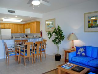 Grand Cayman condo photo - One Bedroom Dining and Kitchen