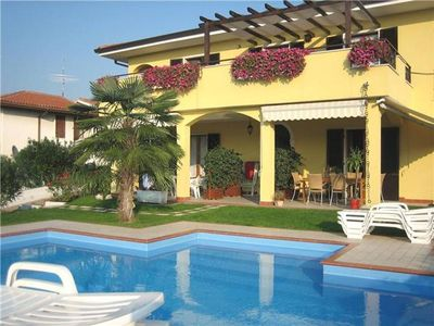 Popular apartment for 6 people, with swimming pool, in Lazise