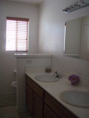 full bathroom upstairs - Las Vegas house vacation rental photo