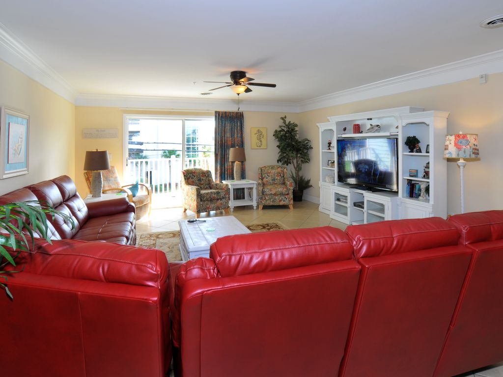 You found it spacious luxury 8 bedroom vrbo for Living room with lots of seating