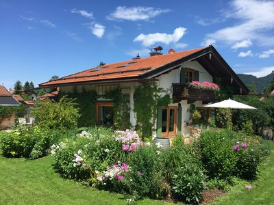 5-star holiday home on Tegernsee, sunny, with mountain views and large garden