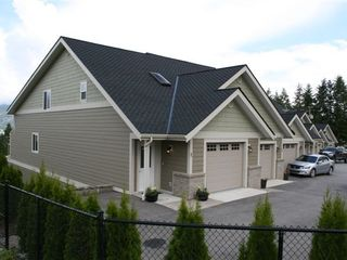 Shuswap Lake townhome photo - brand new modern townhouse in the heart of Sorrento