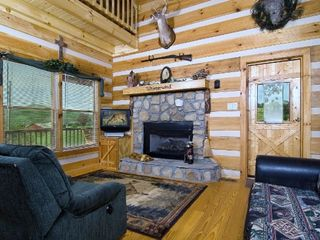 Wears Valley cabin photo - Cozy Living Room w Gas Log Fireplace