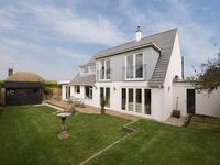 Contemporary Luxury a Short Walk From One of Kents Best Beaches - Botany Bay