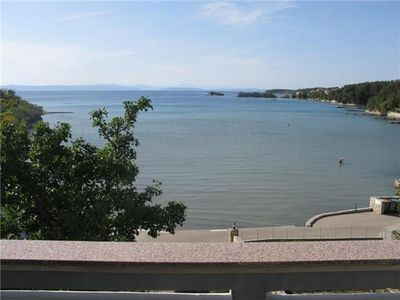 Apartment for 9 people close to the beach in Rab