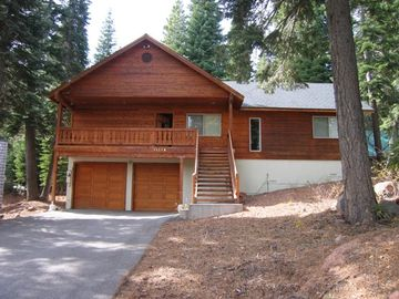 Tahoe Donner house rental - Easy Access level driveway to Garage provides easy access to home