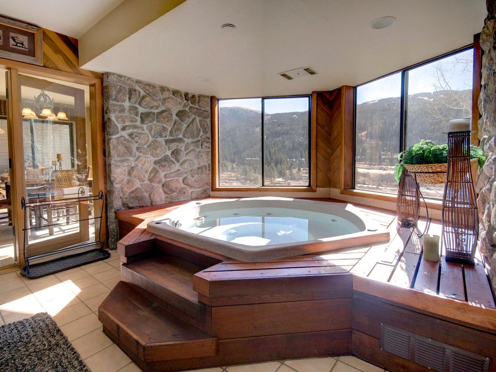 Large 2 br 2 ba near the lifts private hot vrbo for Hot tubs for tall people