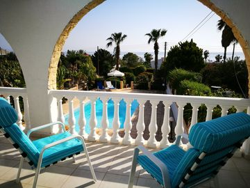 Sea view Villa on the coast of Peyia-Paphos