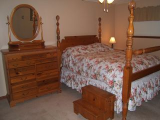 Lake Harmony house photo - Bedroom #1 with Step Up Queen Bed