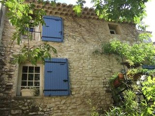Vaison-la-Romaine townhome photo - courtyard facade